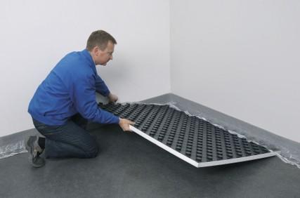 Posa radiante riscaldamento a pavimento impianti termoidraulici - Posa piastrelle su pavimento radiante ...